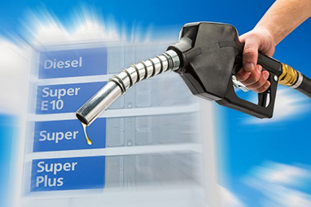 Diesel average falls 1.6 cents to 2.786 per gallon reports EIA