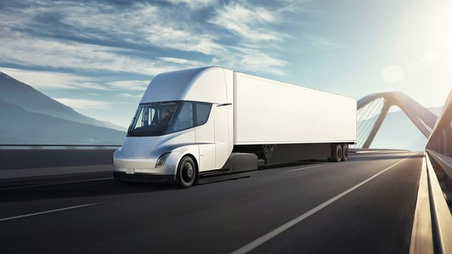 Are Fleets Heading Toward Electric Trucks? Not So Fast...