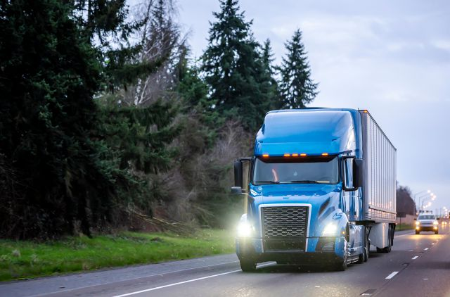 Newer Trucks Help Companies Lower Cost of Onboarding Drivers